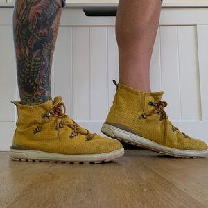 Columbia Hiking / Fashion Boot 🥾